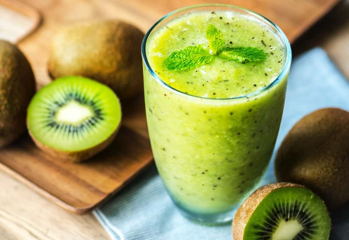 kiwi smoothies in a glass